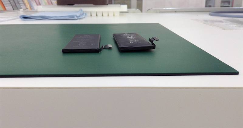 【iPhoneバッテリー修理】iPhone電池パック膨張